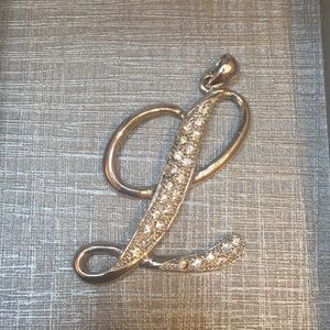 Jewelry - Sparking Silver L Pendant